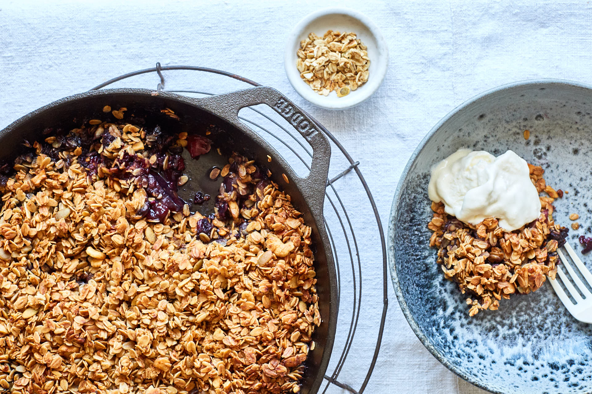 Skillet Blackberry Apple Crumble
